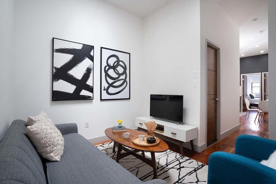 90 starr street communal living room1