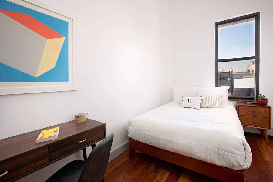 90 starr street bedroom2