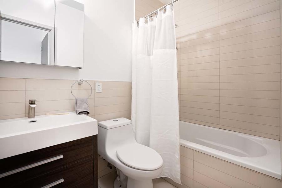 90 starr street bathroom1