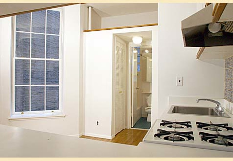 324 east 81st street 3rw studio 1ba kitchen1