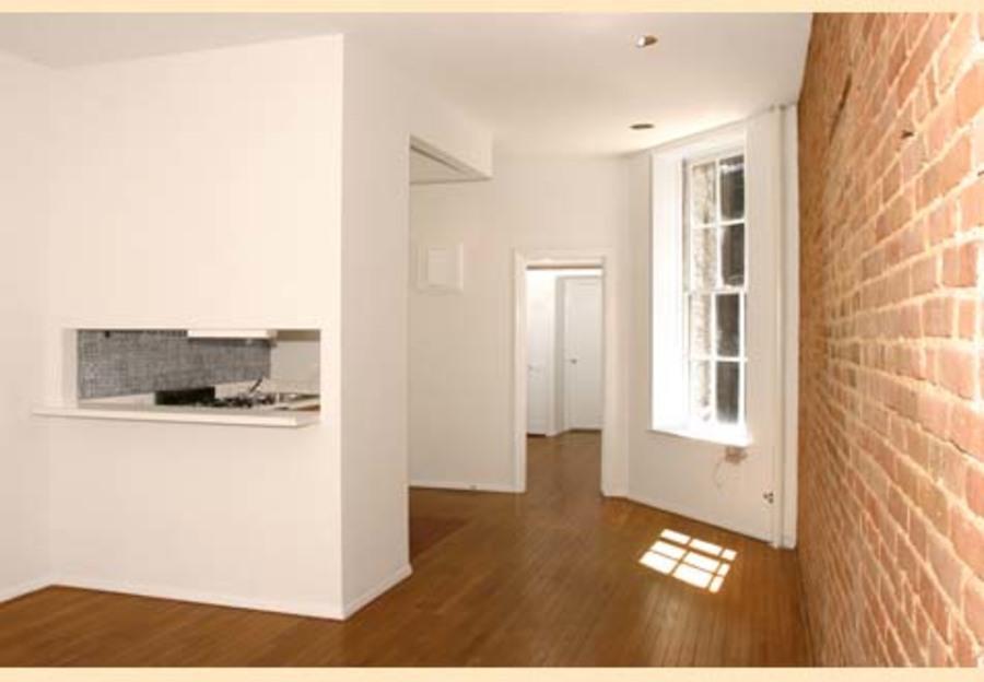 324 east 81st street 2fw 1br 1ba living room