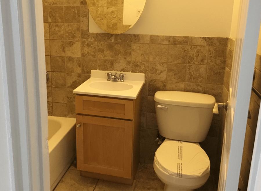 223 second avenue 04d studio bathroom
