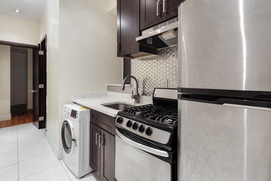 118 west 109th street 1w 2br 1ba kitchen