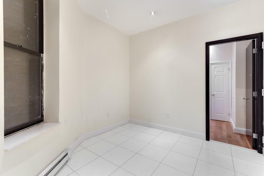 118 west 109th street 1w 2br 1ba living room