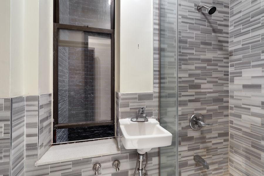 118 west 109th street 1w 2br 1ba bathroom