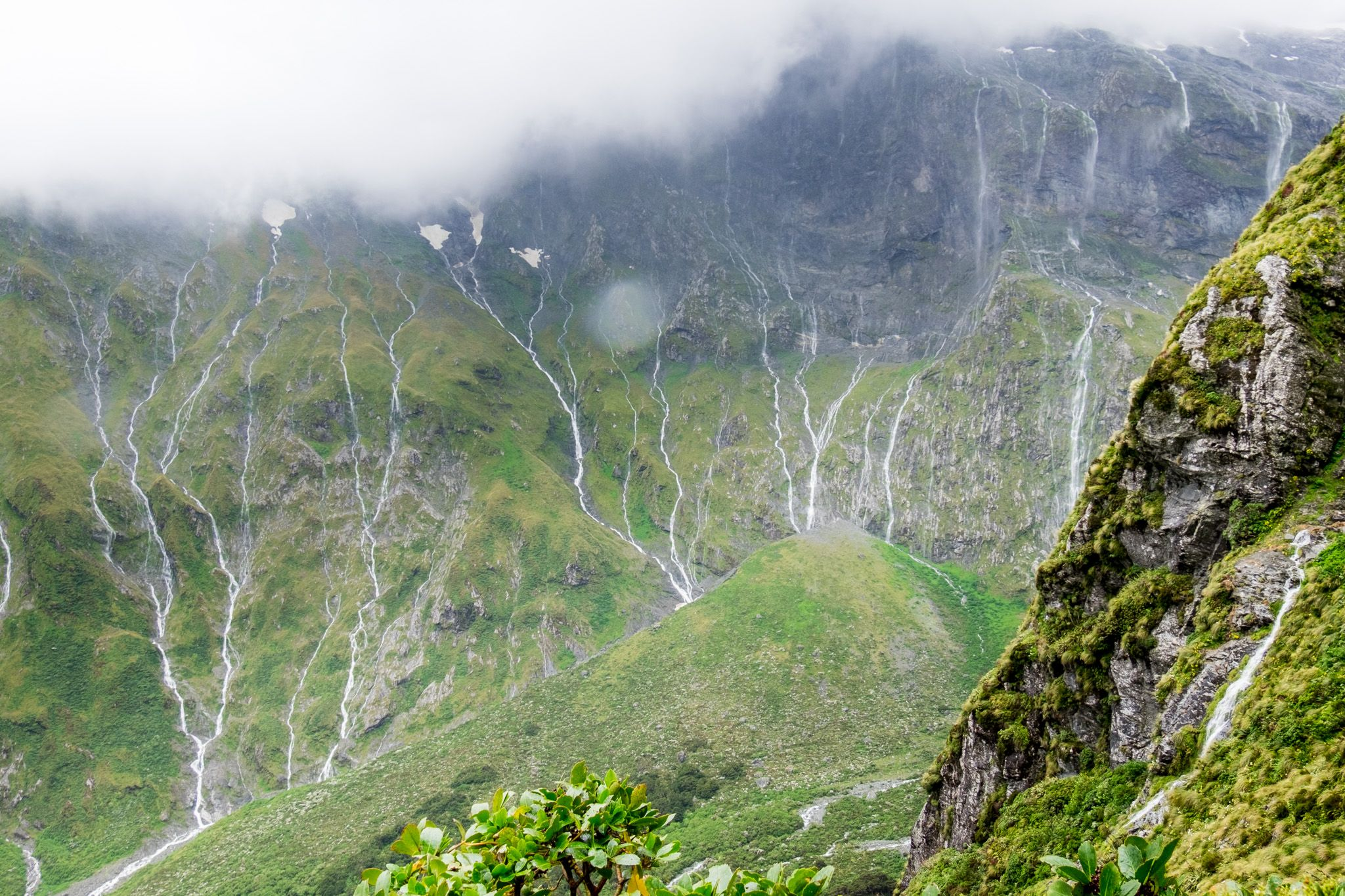 a hundred waterfalls, Milford Track