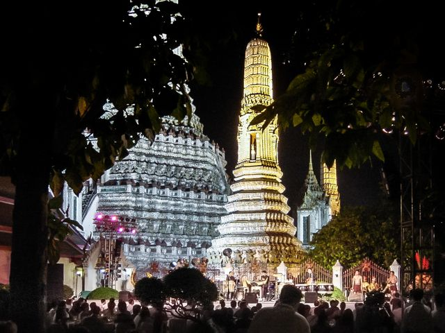 Wat Arun by night with dinner
