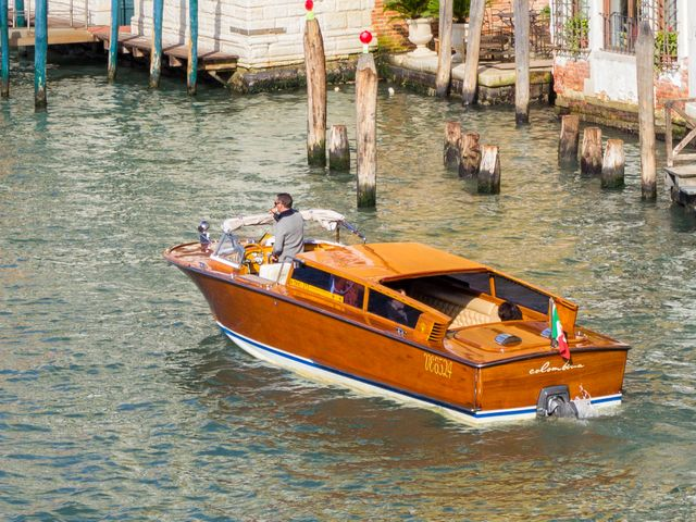 luxury water taxi