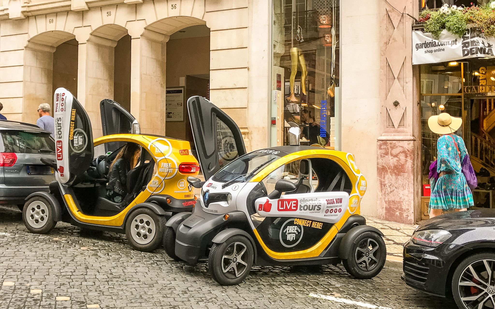 streets of Chiado with electric cars