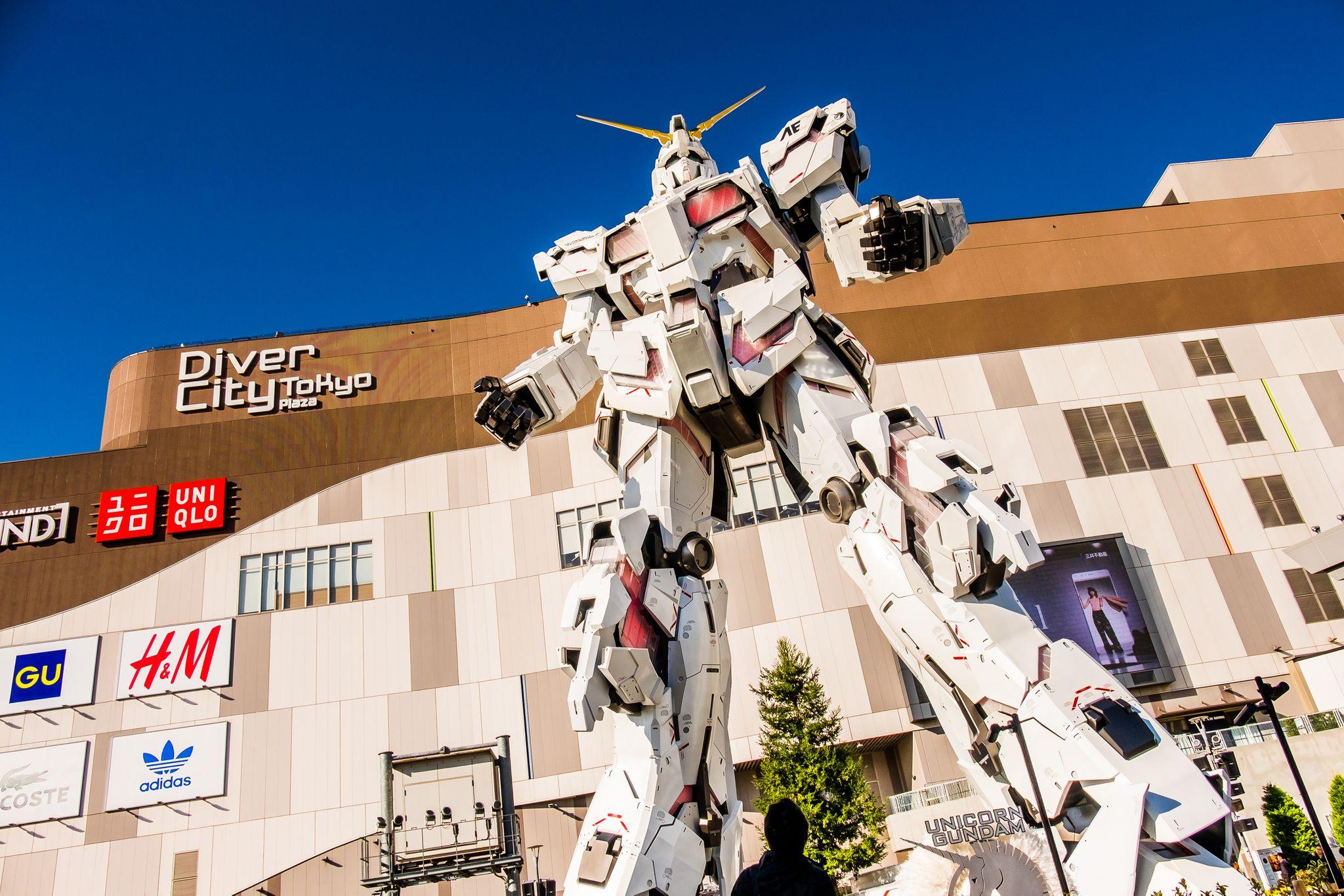 transformer statue, Gundam Unicorn
