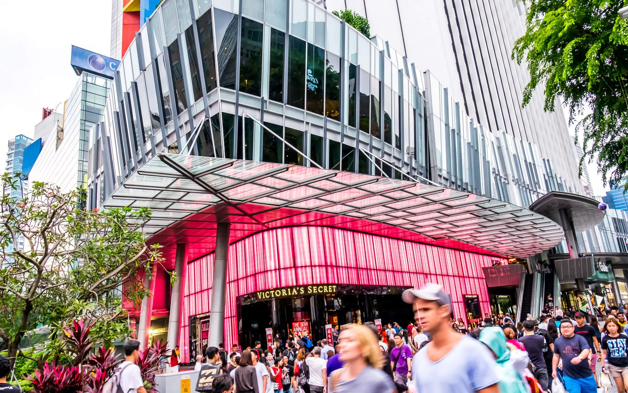 shops and people along Orchard Road