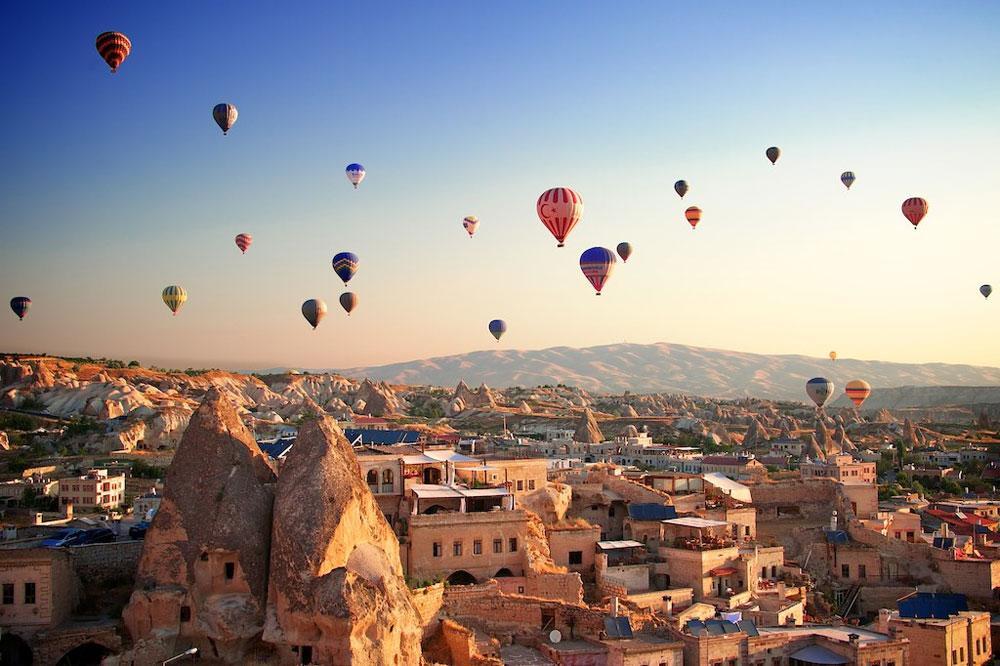 Cappadocia-Turkey-amazing-ballooning