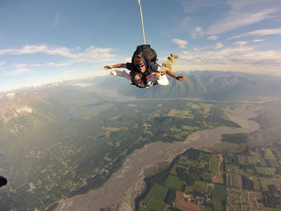 sky-diving-usa-by-travelbusy