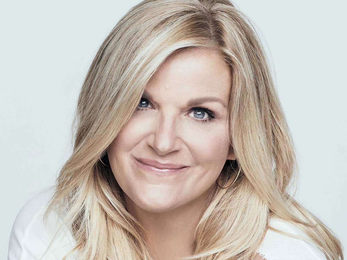 Trisha Yearwood head shot