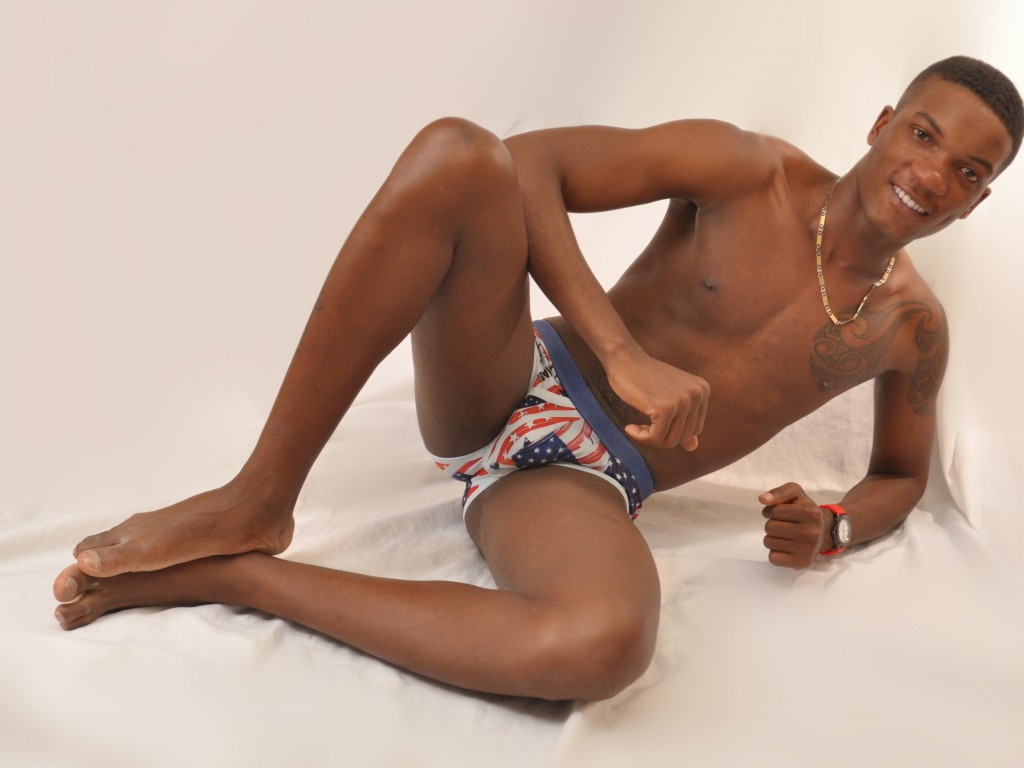 featured black male model - fullblackcock