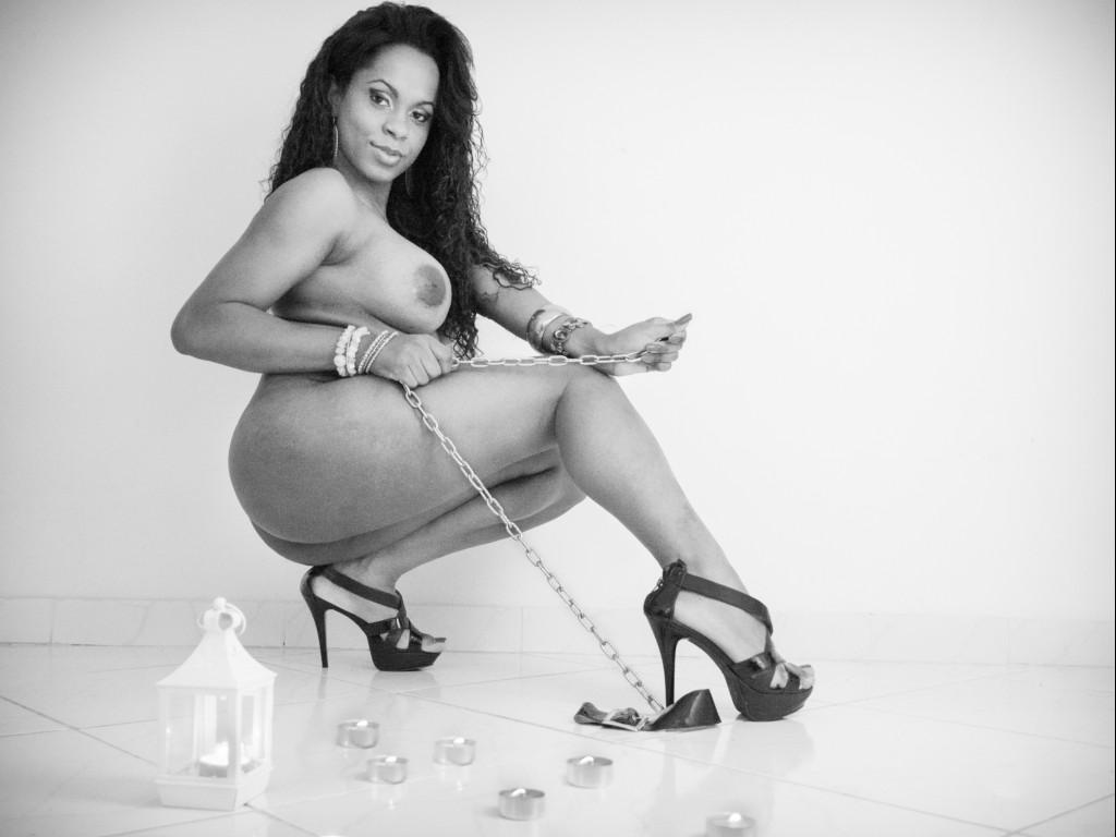 Hot LulyBrazil - ebony transgirl webcam babe