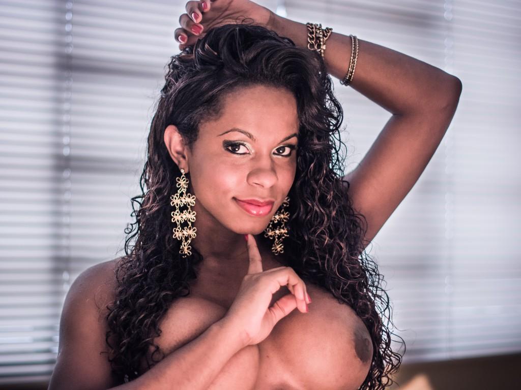 TS Big Tit ebony TS cam model - LulyBrazil
