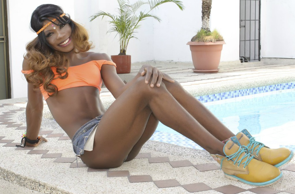 5 Ebony Trans Babes That Will Make Your Cock Feel Funny!