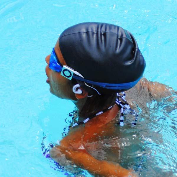 Samsung earphones white - underwater earphones swimming