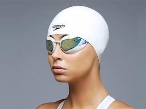 Swimmer-with-Speedo-Fastskin-3-cap
