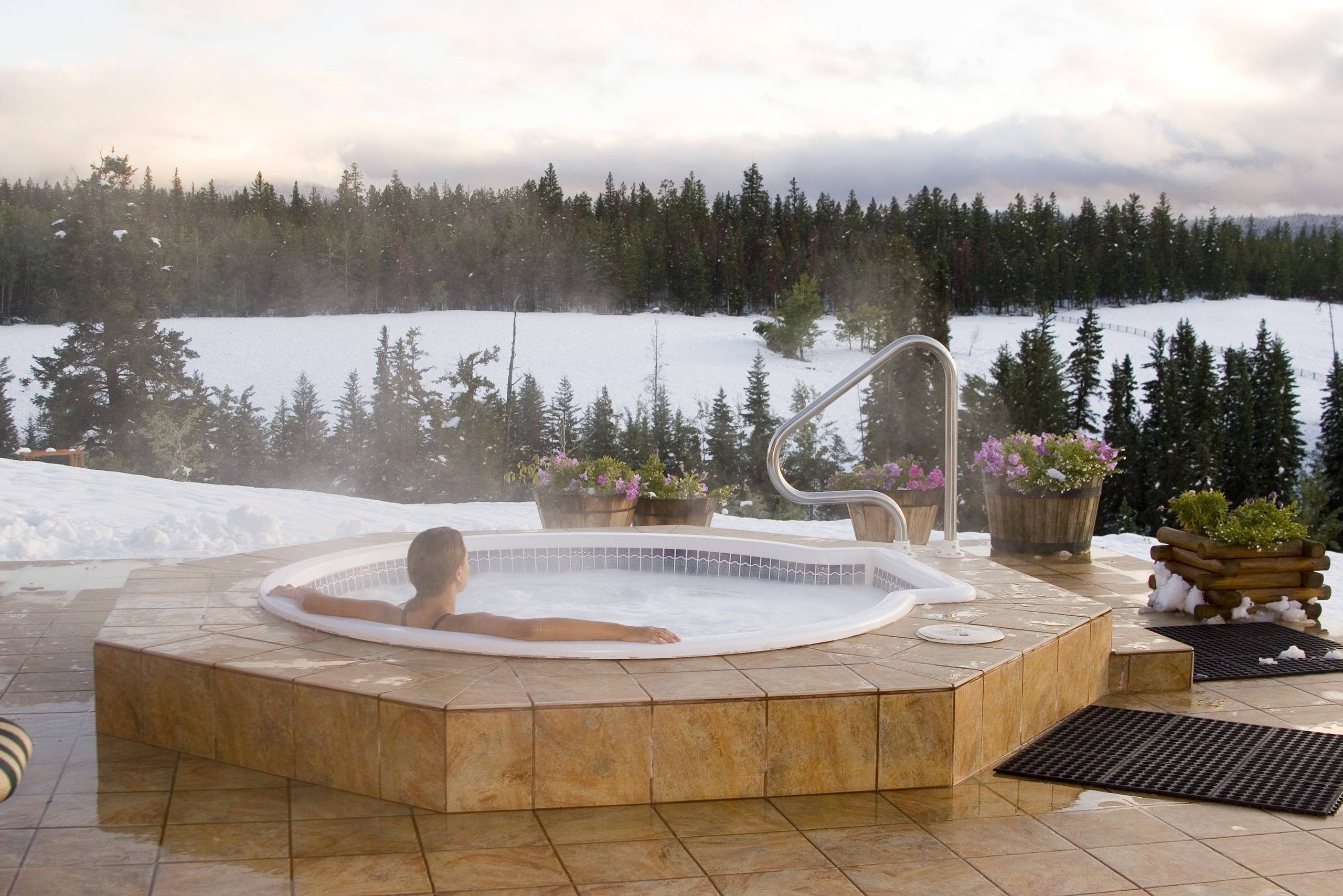 plain tubs therapurespa perfect hot design of jacuzzi portable amazon maintenance las com inflatable luxury amusing outdoor from person ideas vegas tips tub cleaning