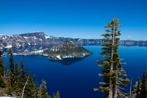 Crater_lake_oregon_usa