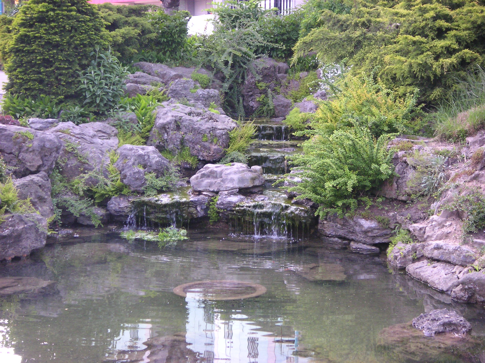 Awesome swimming pools underwater audio blog for Natural garden pond