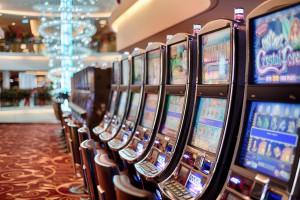 https://static.pexels.com/photos/5258/addiction-bet-betting-casino.jpg