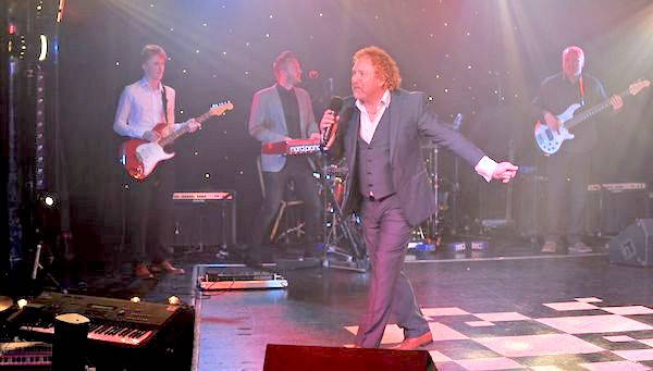 Simply_Red_Tribute_Performing_Live
