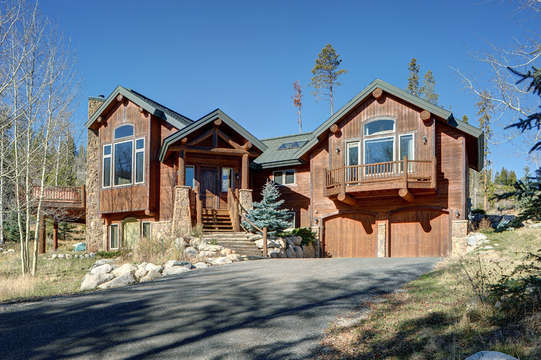 Welcome to Elk Meadow Lodge
