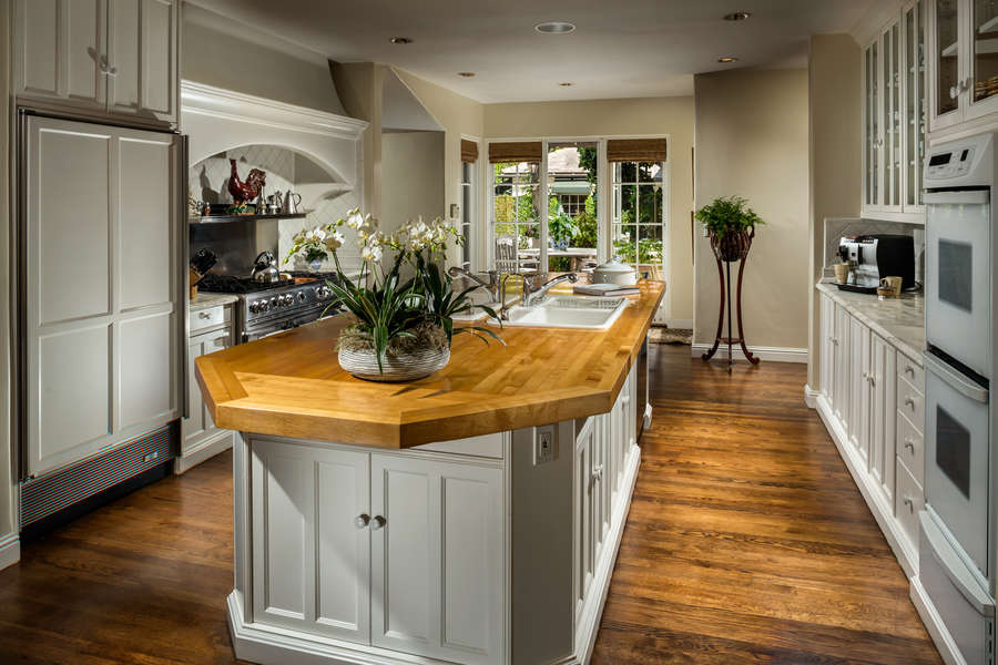Gourmet Kitchen with every amenity