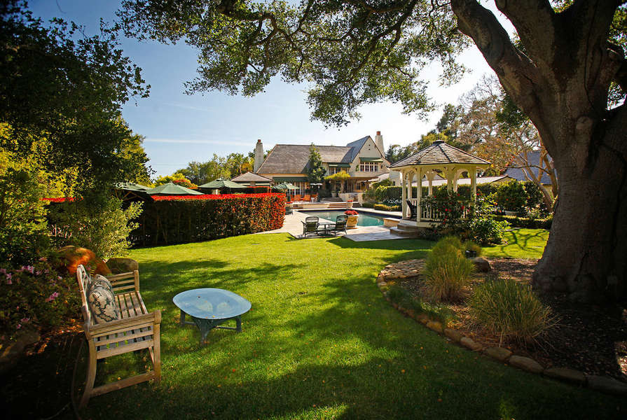 Serene and picturesque back yard oasis