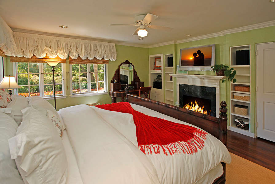 East Wing Guest Suite #2