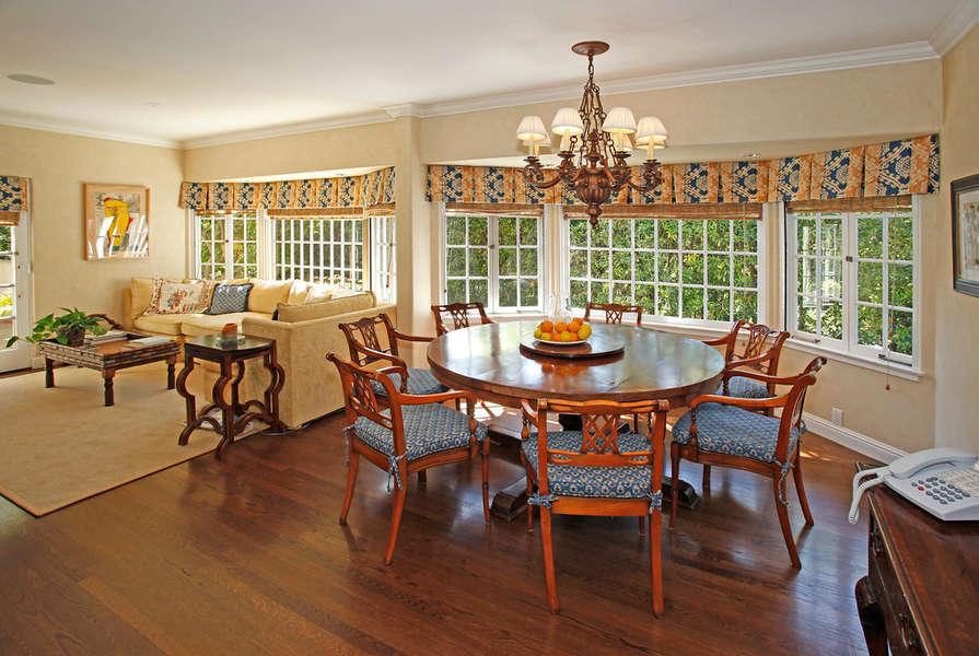 Sunny Breakfast Room
