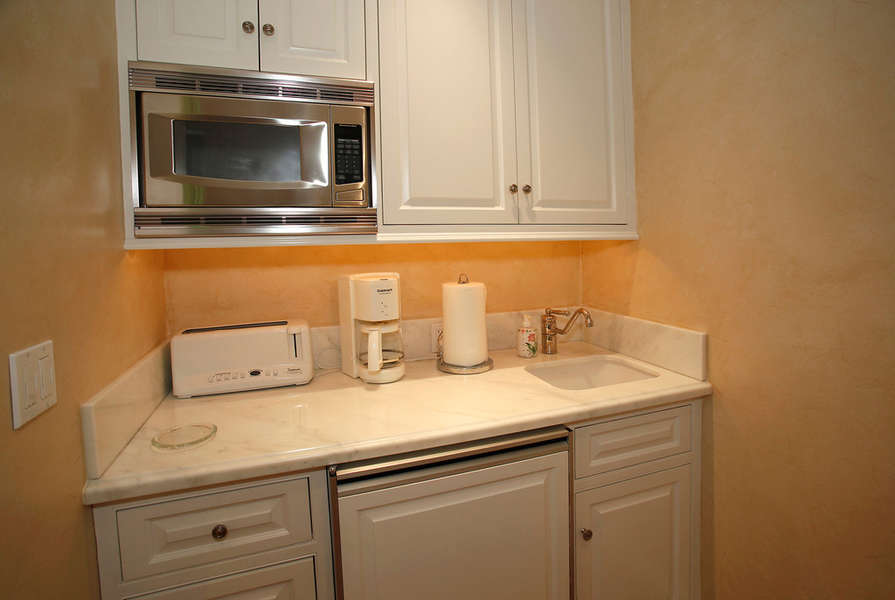 North Guest House Kitchenette