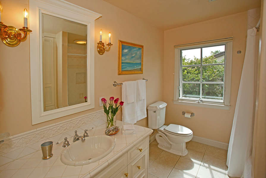 Hall bathroom shared by Bedrooms 3 & 4