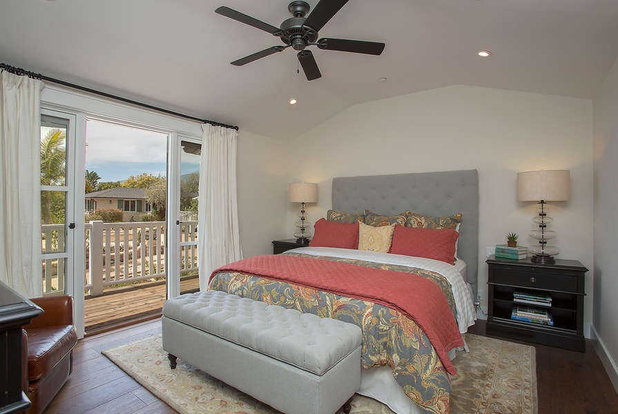 Casita Master Bedroom w/king-size bed