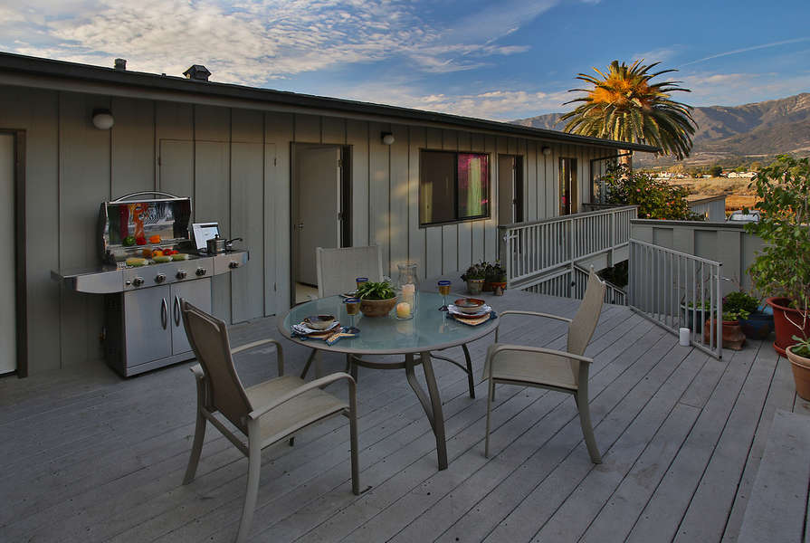 Front deck with access to 3 guest bedrooms