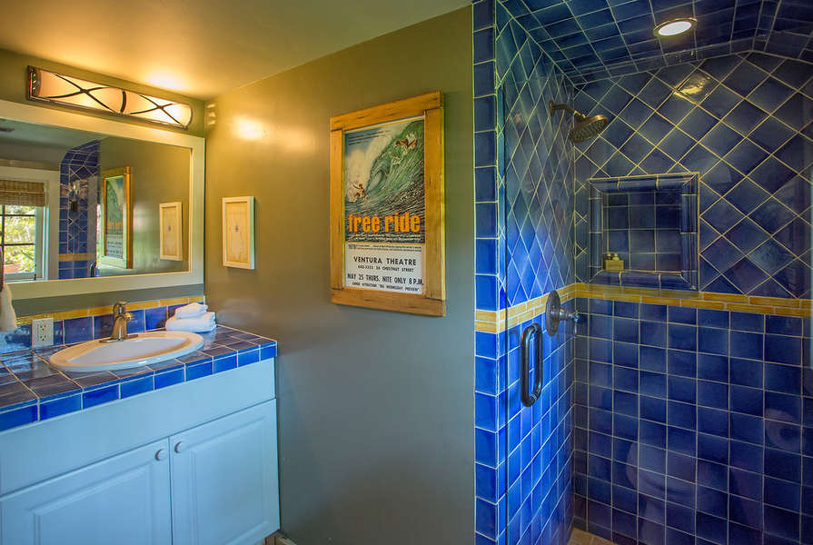 Pool Cottage Bathroom