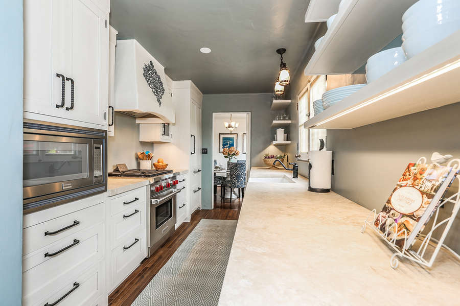 Bright and smart fully equipped Kitchen