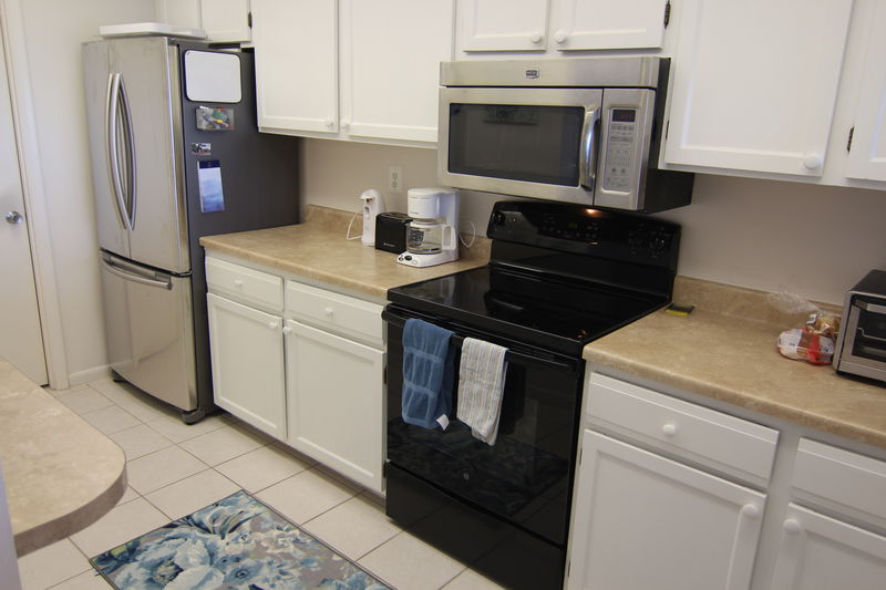 Kitchen 2: new Refrigerator, Stove, and Microwave 2016