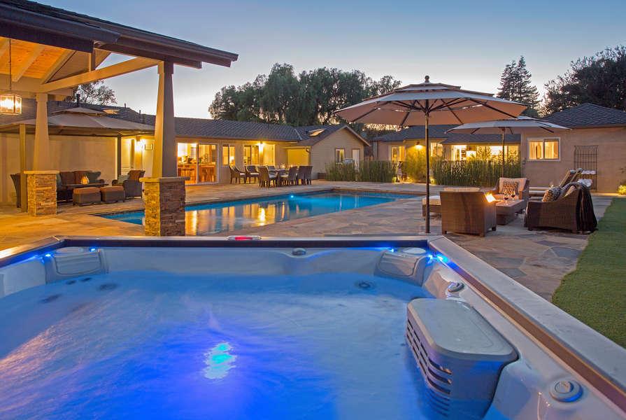 Enjoy soothing spa under star studded sky