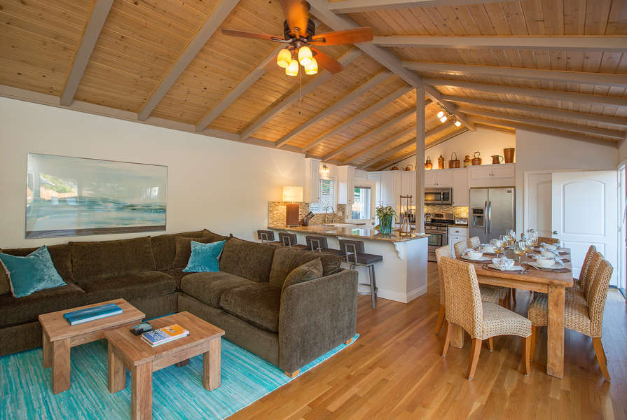 Guest House with vaulted ceilings