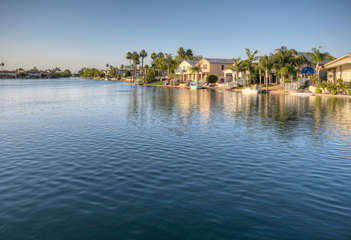 Sparkling lake is perfect for boating, kayaking and other water sports
