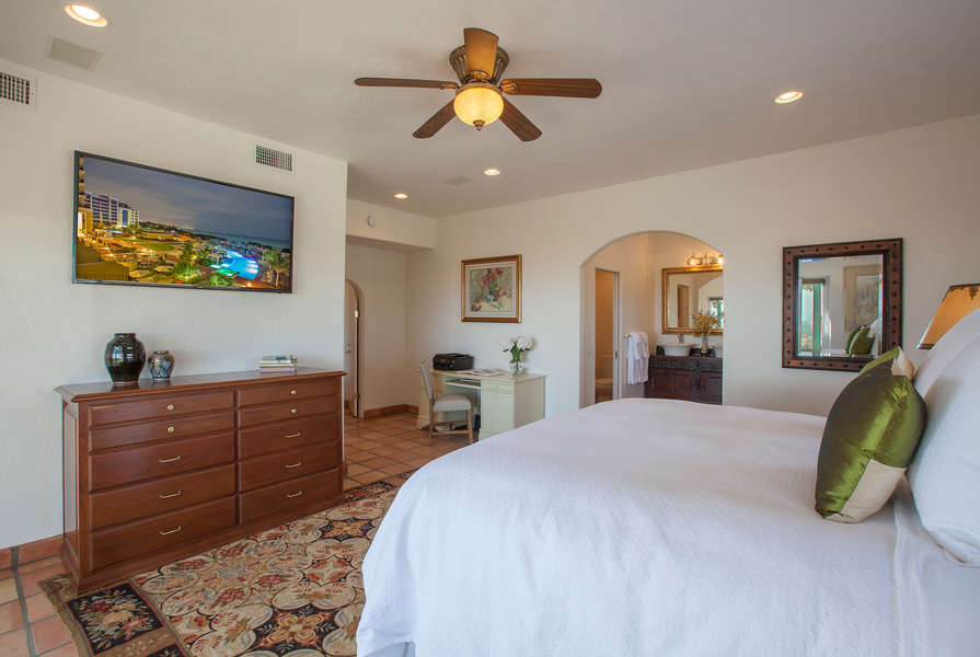 Master Bedroom w/king-size bed