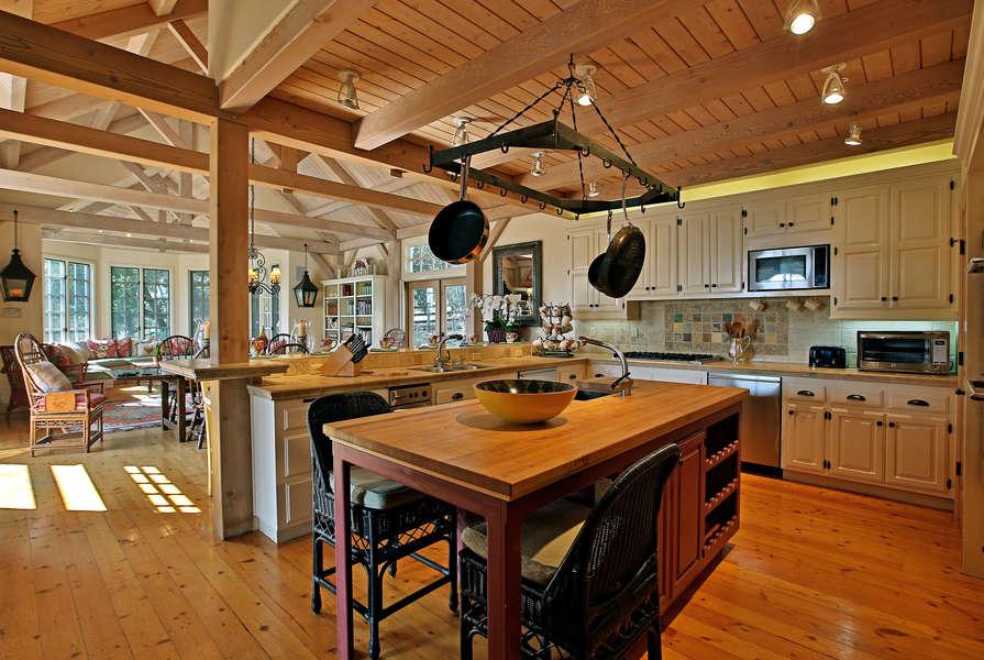 Beautiful Kitchen - a chef's dream!