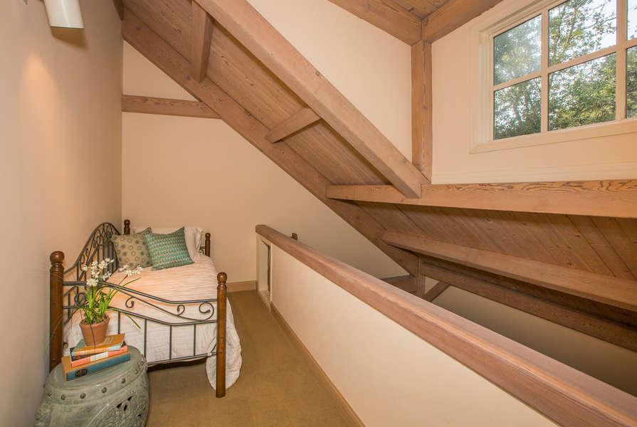 Loft w/twin bed off Bedroom #5