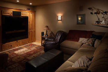 Home Theater, main floor -Star View Lodge