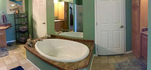 After a day of hiking or horseback riding you'll enjoy a soak in the garden tub to soothe fatigued muscles