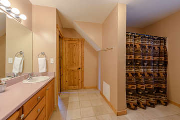 Shared Bathroom between Wolf and Moose Bedrooms Upstairs
